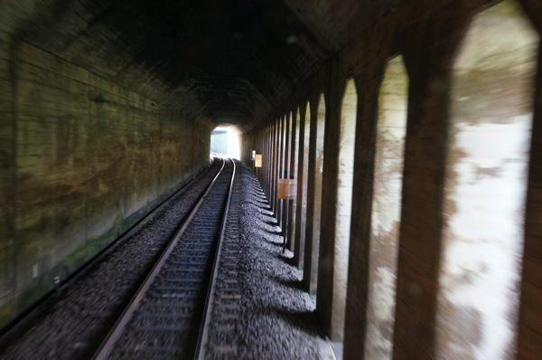 トンネル 関西本線