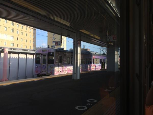 奈良駅 桜井線と分かれる