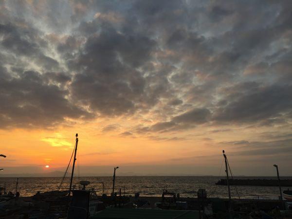 朝日が気持ちいい三浦海岸