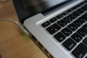 MacBookPro13インチ(MC724J/A)自分でバッテリー交換。メリットとデメリット(本音はおすすめできない)