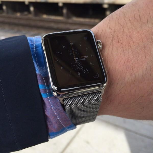 Apple WATCH バッテリー残量をいつでも見る – クロノグラフ フェイス -