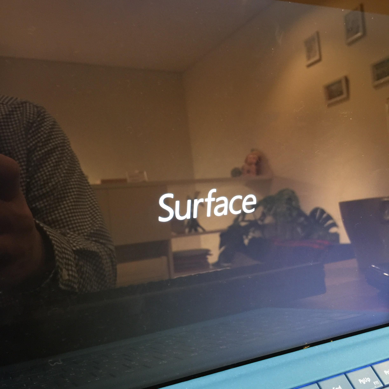 SurfacePro3のロゴのまま